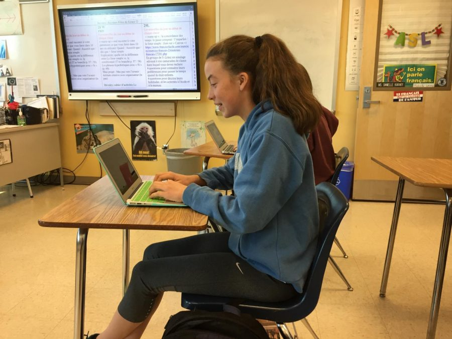 Sophomore Rebecca Stewart uses her school computer during class. Many students have had difficulties in connecting to the Internet due to GlobalProtect.