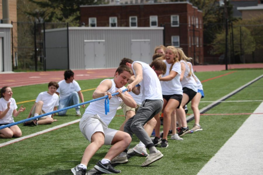 The sophomores work hard during tug of war.